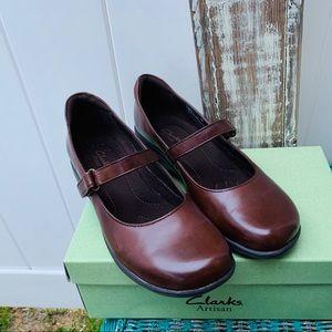 Clark's Artisan brown size 10 like new Mary Jane